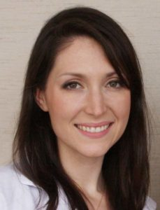 Jackie Topol, MS, RD, CSO, CDN, CLT is a registered dietitian and culinary nutritionist based in New York City.